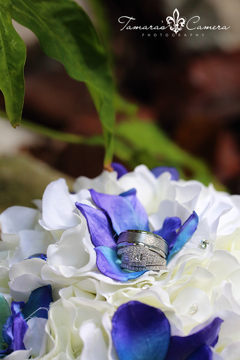 Wedding Rings & Bouquets