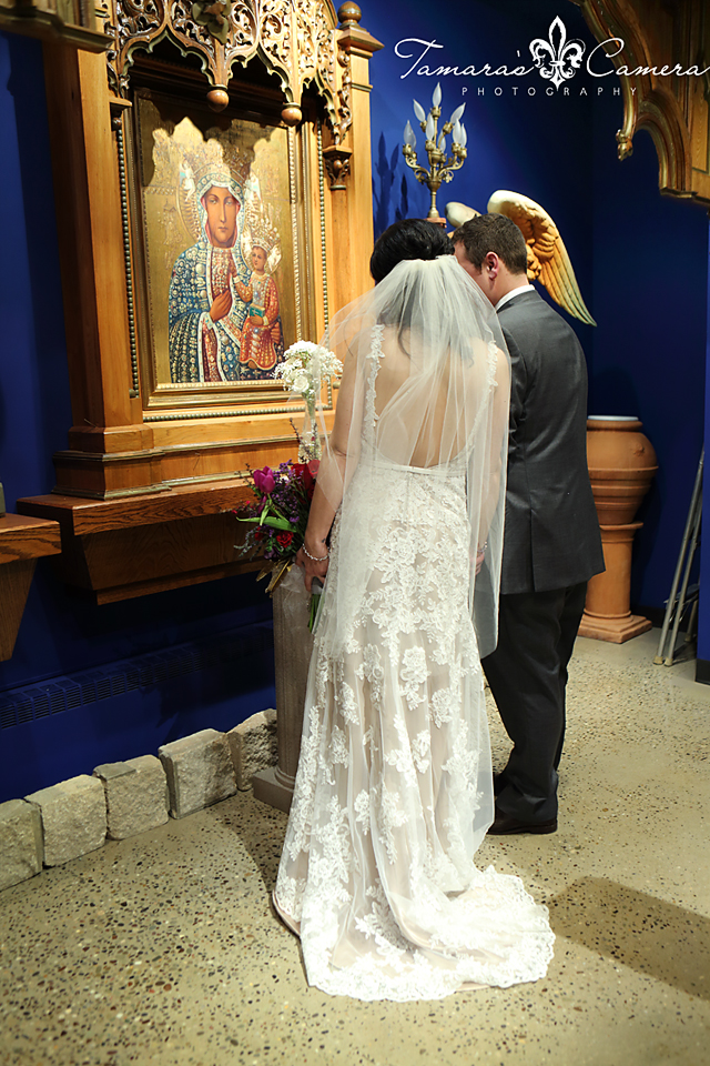 sacred heart of mary, weirton wedding photographer, pittsburgh wedding photographer, spring wedding, bride and groom, blessed mother, our lady of czestowchowa