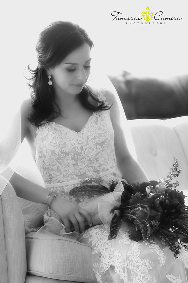 wedding gown, black and white photos, bouquet, flowers, weirton wedding photographer, pittsburgh wedding photographer, spring wedding