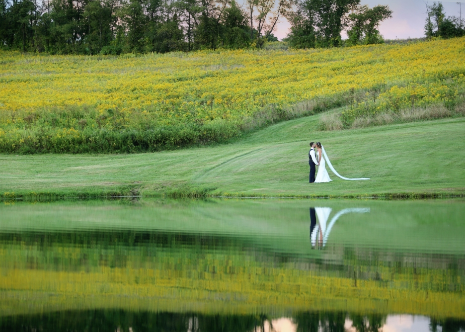 weddings, paphotographer, pittsburgh photographer, bride and groom, fall weddings, outdoor weddings